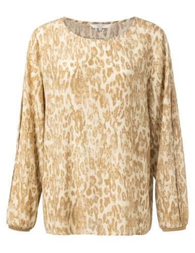 blouse-with-pleated-sleeves-and-leopard-print